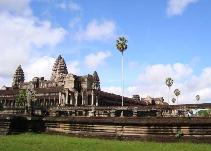 Angkor Wat Behind